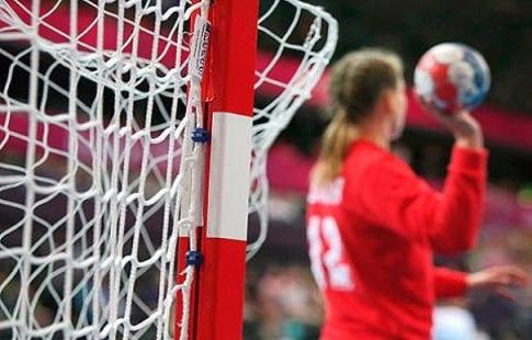 Русские гандболистки выиграли четвертый матч изаняли первое место вгруппе