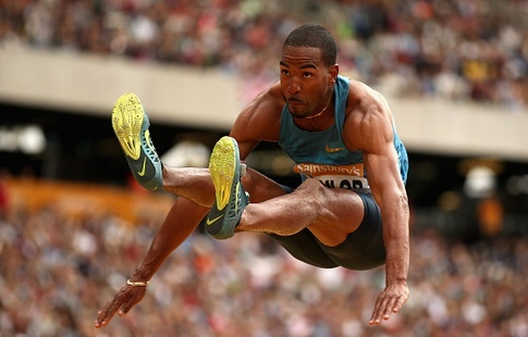 Жители Америки Тэйлор иКлэй взяли золото исеребро втройном прыжке