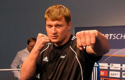 Промоутер Поветкина опроверг дисквалификацию боксера