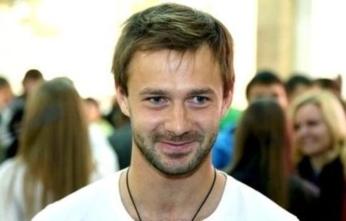 «Енисей» может подписать договор сбывшим футболистом сборной Российской Федерации Сычевым