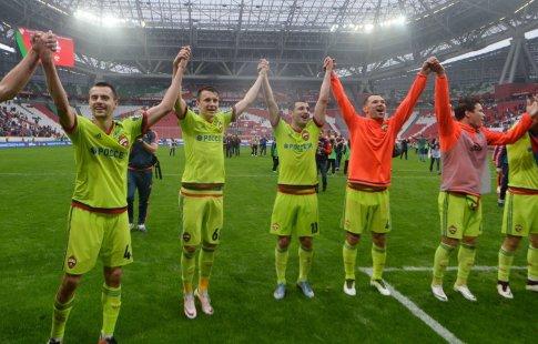 Футболисты ЦСКА получили золотые медали запобеду вчемпионате России