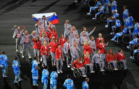 Сборная Белоруссии пронесла русский флаг наоткрытии Паралимпиады