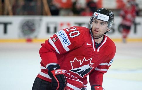Сборная США похоккею одолела канадцев ввыставочном матче перед Кубком мира