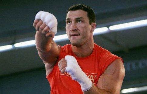 Владимир Кличко отказался боксировать из-за травмы