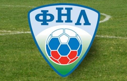Болельщики «Луча» и«Кубани» перед матчем воВладивостоке расчистили поле