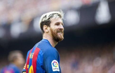 Чемпионат Испании. Месси иСуарес принесли «Барселоне» победу вСевилье