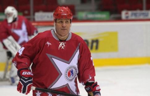 Макаров получил перстень члена Зала хоккейной славы