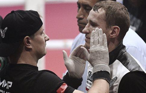 Русский боксер Трояновский уступил свои чемпионские пояса на40-ой секунде боя