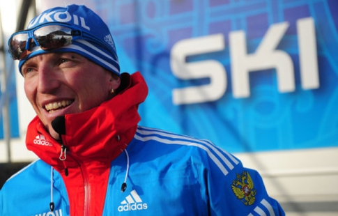 Житель россии Устюгов победил виндивидуальном лыжном спринте вДавосе