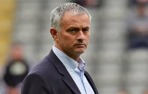 Руководство «Манчестер Юнайтед» задумалось опродлении договора сЖозе Моуринью