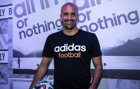 Верон возобновил карьеру в своем клубе в41 год