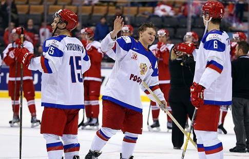 Сборная Российской Федерации похоккею обыграла Данию ивышла вполуфинал молодёжногоЧМ