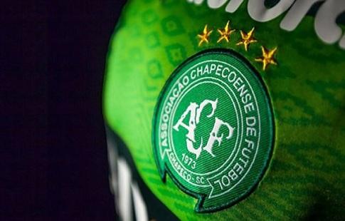 Сборная Бразилии обыграла Колумбию вматче памяти «Шапекоэнсе»