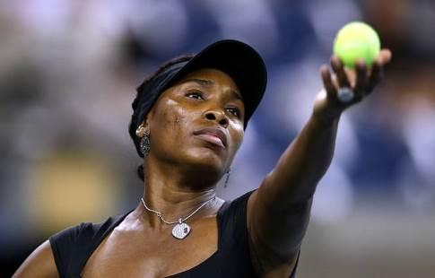 Винус Уильямс проиграла Младенович в1/8 финала турнира в северной столице