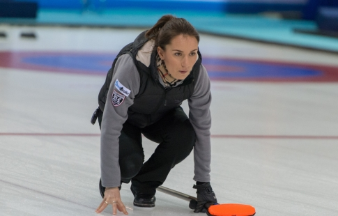 Сборная Российской Федерации покёрлингу проиграла Канаде ивышла вполуфинал чемпионата мира