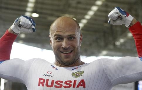 Чемпион мира повелотреку Дмитриев поблагодарил команду запроделанную работу