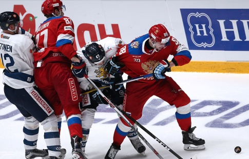 Русские хоккеисты обыграли чехов взаключительном матче Евротура