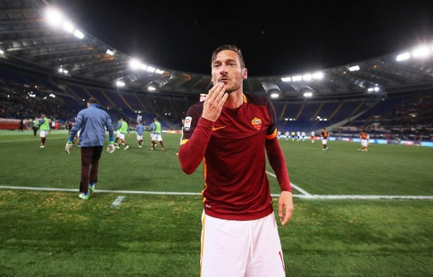 Футболист «Ромы» Тотти завершит карьеру поокончании сезона