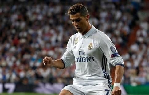 Роналду первым среди всех спортсменов набрал 100 млн. фанатов в социальная сеть Instagram