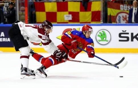Сборная РФ удерживает лидерство после 2-го периода матча против Чехии наЧМ