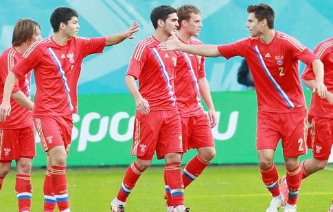 Молодежная футбольная сборная Белоруссии разгромно проиграла россиянам