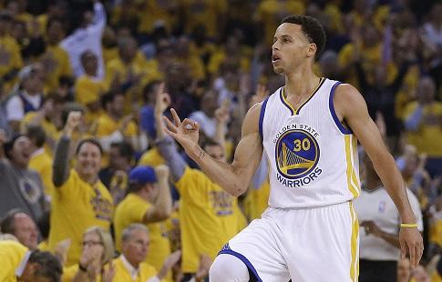 «Голден Стэйт» победил «Кливленд» впервом матче заключительной серии плей-офф НБА