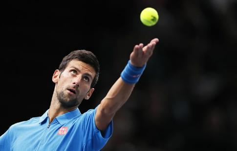 Прошлогодний победитель «Ролан Гаррос» Джокович проиграл вчетвертьфинале турнира