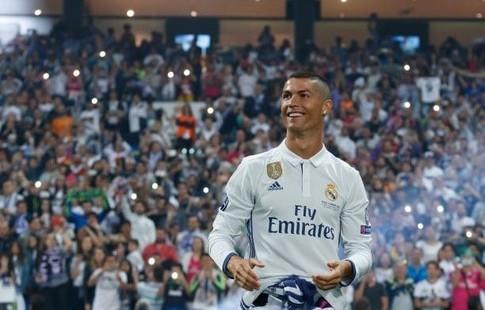 Криштиану Роналду стал самым высокооплачиваемым спортсменом поверсии Forbes