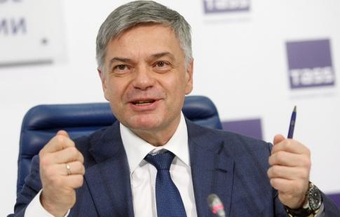 «Газпром» имеет предложения посозданию гандбольного имини-футбольного клубов