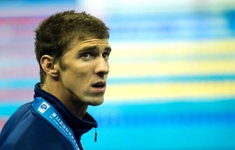 Олимпийский чемпион проиграл белой акуле заплыв на100-метровке