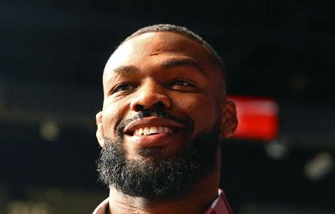 UFC 214: Кормье перевесил Джонса на200 граммов