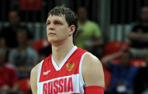 Сборная Российской Федерации побаскетболу вконтрольном матче уступила команде Польши