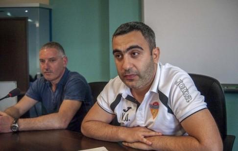 """Президент футбольного клуба """"Арарат"""" украл 20 миллионов рублей у своего же клуба и сбежал"""