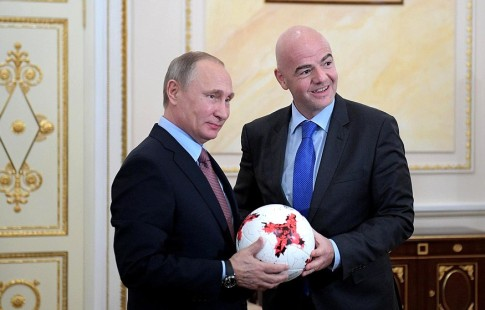 Путин иИнфантино провели осмотр стадиона «Лужники»