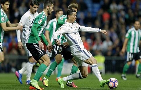 «Реал» проиграл «Бетису» вматче чемпионата Испании пофутболу