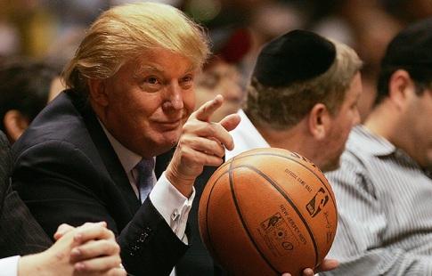 Трамп считает что спортсменов нужно увольнять за протесты во время гимна
