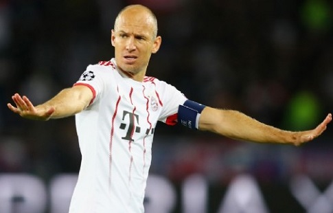 «Бавария» уволила основного тренера после разгрома отПСЖ