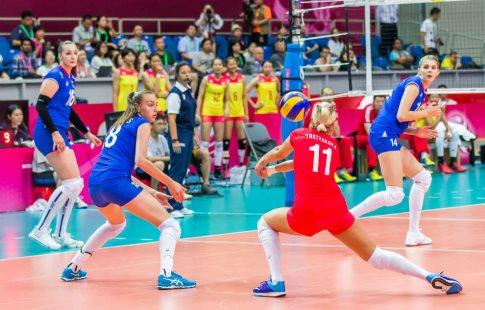 Русские волейболистки проиграли сборной Турции вчетвертьфиналеЧЕ