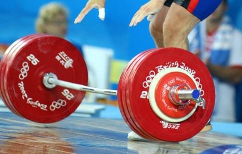 Украинскую федерацию тяжелой атлетики нагод отстранили от состязаний