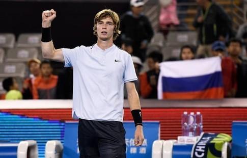 Рублев вышел вчетвертьфинал теннисного турнира встолице Китая