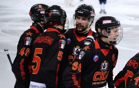 ВКирове стартовал чемпионат Российской Федерации похоккею смячом