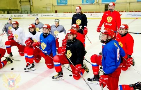 Юниорская сборная РФ похоккею обыграла шведов вматче Мирового кубка вызова
