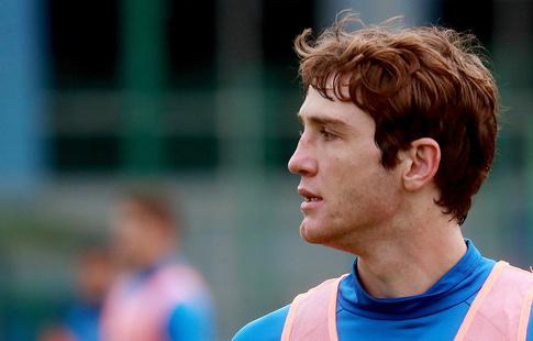 Травма ноги препятствует футболисту Фернандесу тренироваться вполную силу всборной Российской Федерации