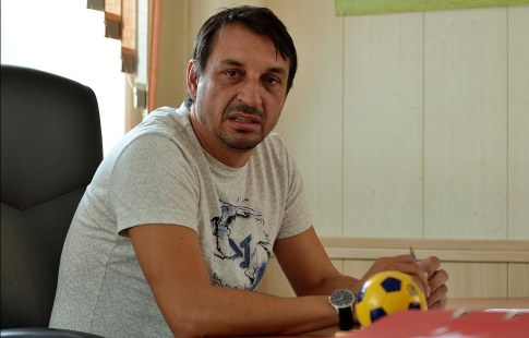 Фанаты накормили футболистов «Луча-Энергии», которым не выплачивают заработную плату