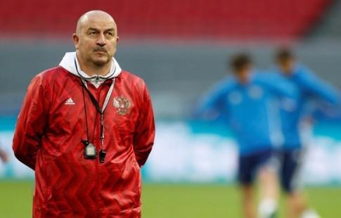Черчесов: «Кокорин, Фернандес иАкинфеев остались вгостинице, уних фитнес-тренировка»