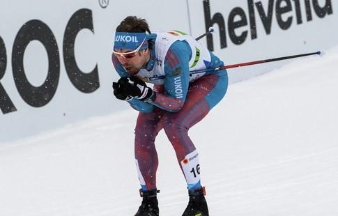 Александр Большунов одержал победу еще одну гонку