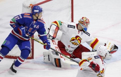 СКА победил «Йокерит» впервом матче КХЛ наоткрытом воздухе