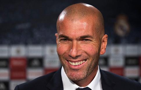Зидан одержал победу 8-й трофей, поделив сМоловни второе место среди тренеров «Реала»