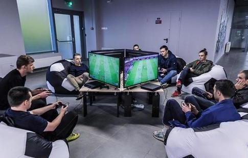 Балабеков стал первым чемпионом Российской Федерации поинтерактивному футболу