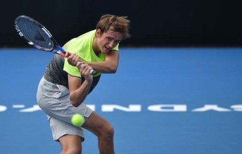 Медведев вышел вполуфинал турнира ATP вСиднее